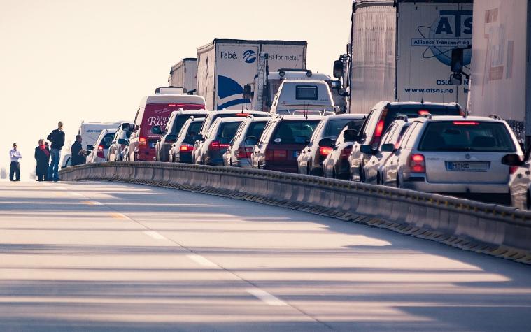 como evitar accidentes durante el mes con más altos índices de siniestros de tránsito
