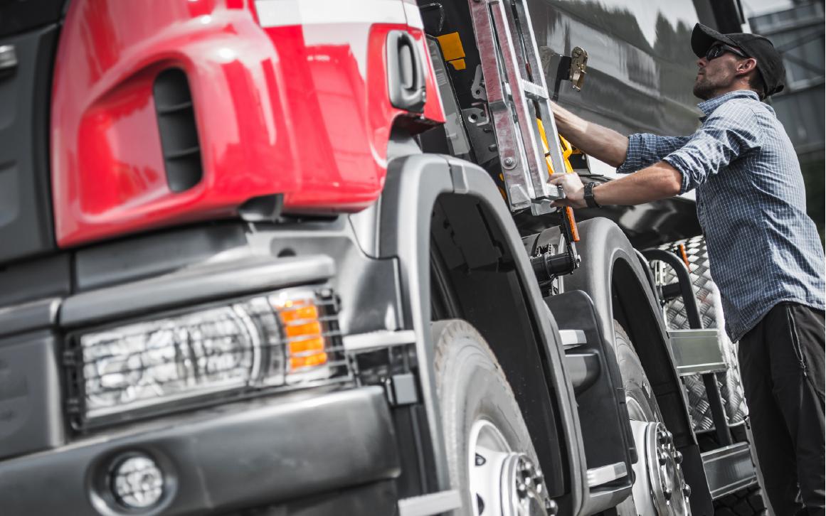 Mejorando la seguridad de los conductores con un GPS para flotas