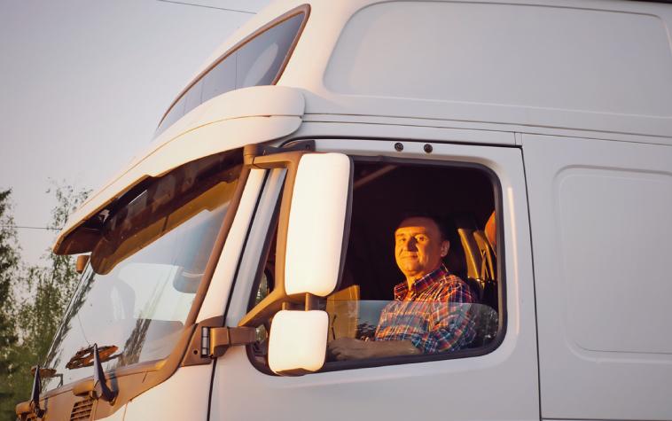 Mira como conocer la eficiencia en la conducción del camión